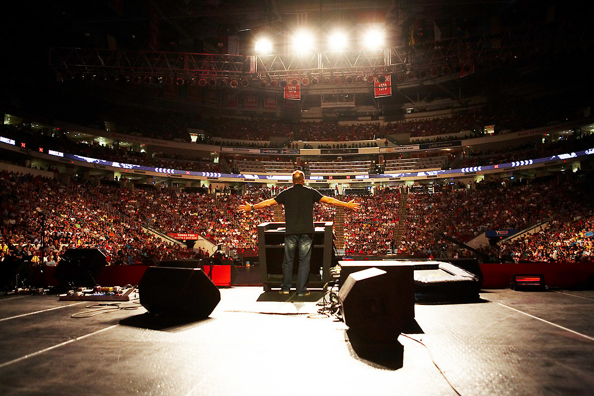 Pastor Greg Laurie preaching in Raleigh, North Carolina.  Click to enlarge.